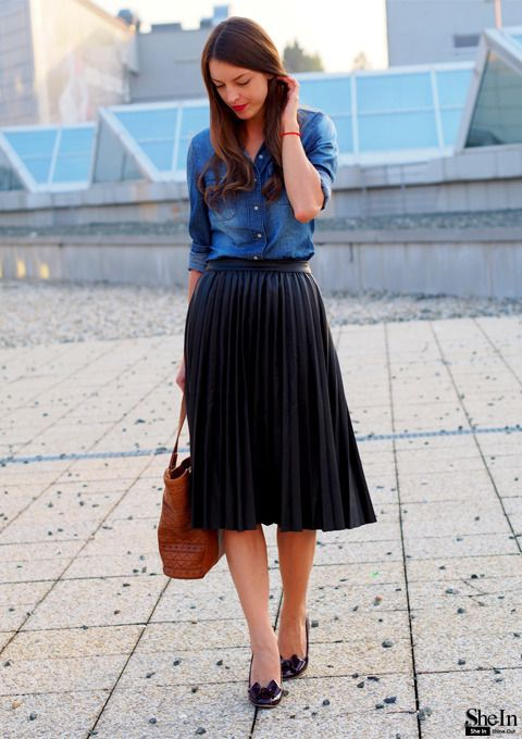 How To Style Black Pleated Skirt