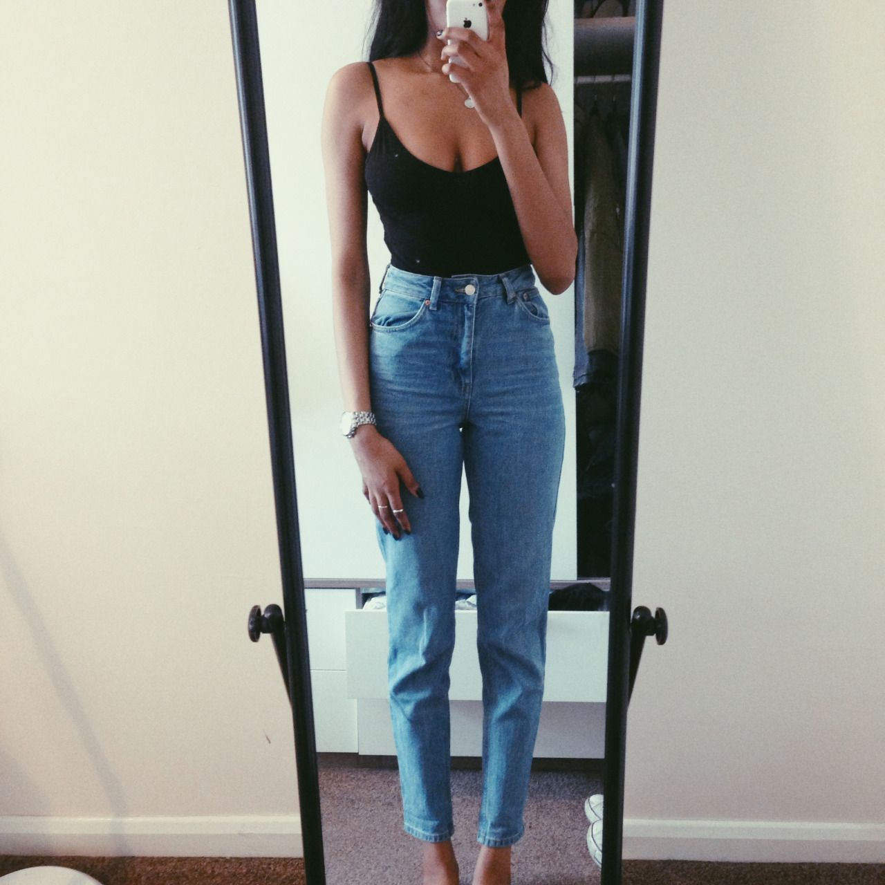 How To Style High Waisted Mom Jeans