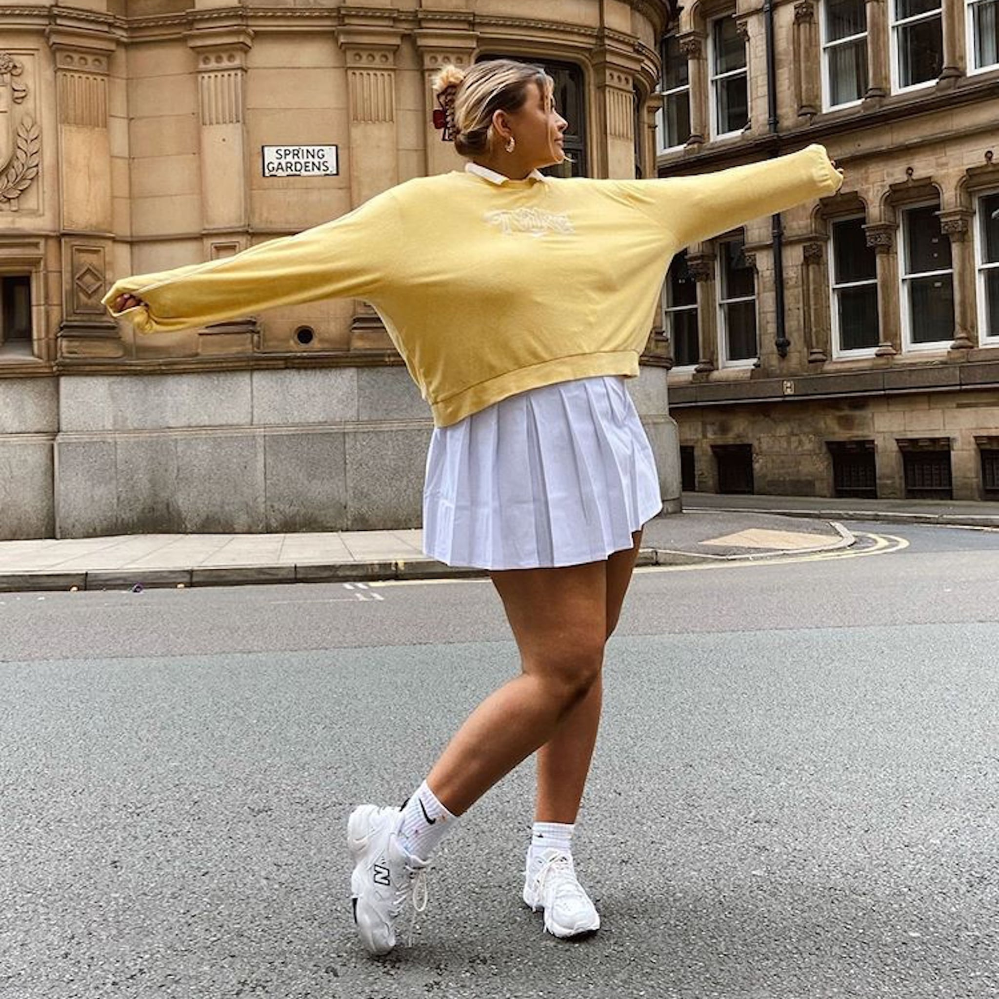 How To Style White Tennis Skirt