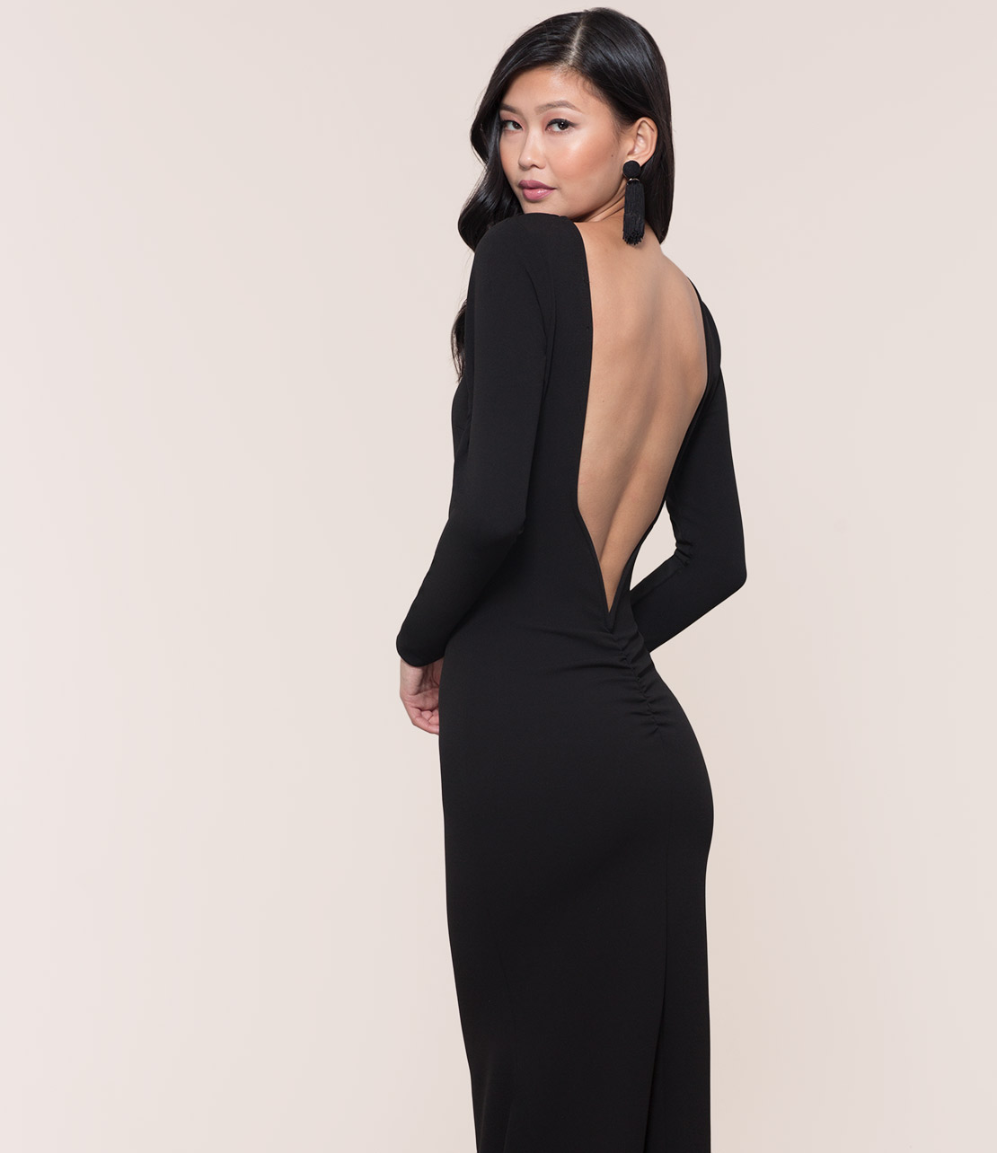 How To Wear Black Backless Dress