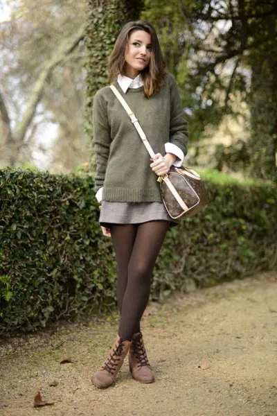 How To Wear Brown Tights
