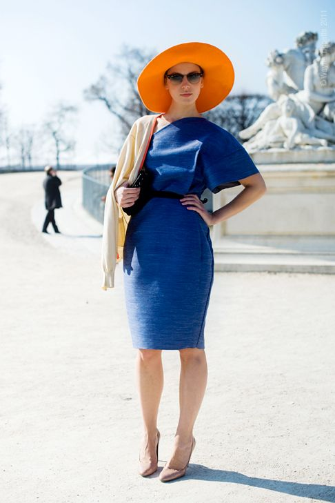 How To Wear Orange And Blue Dress