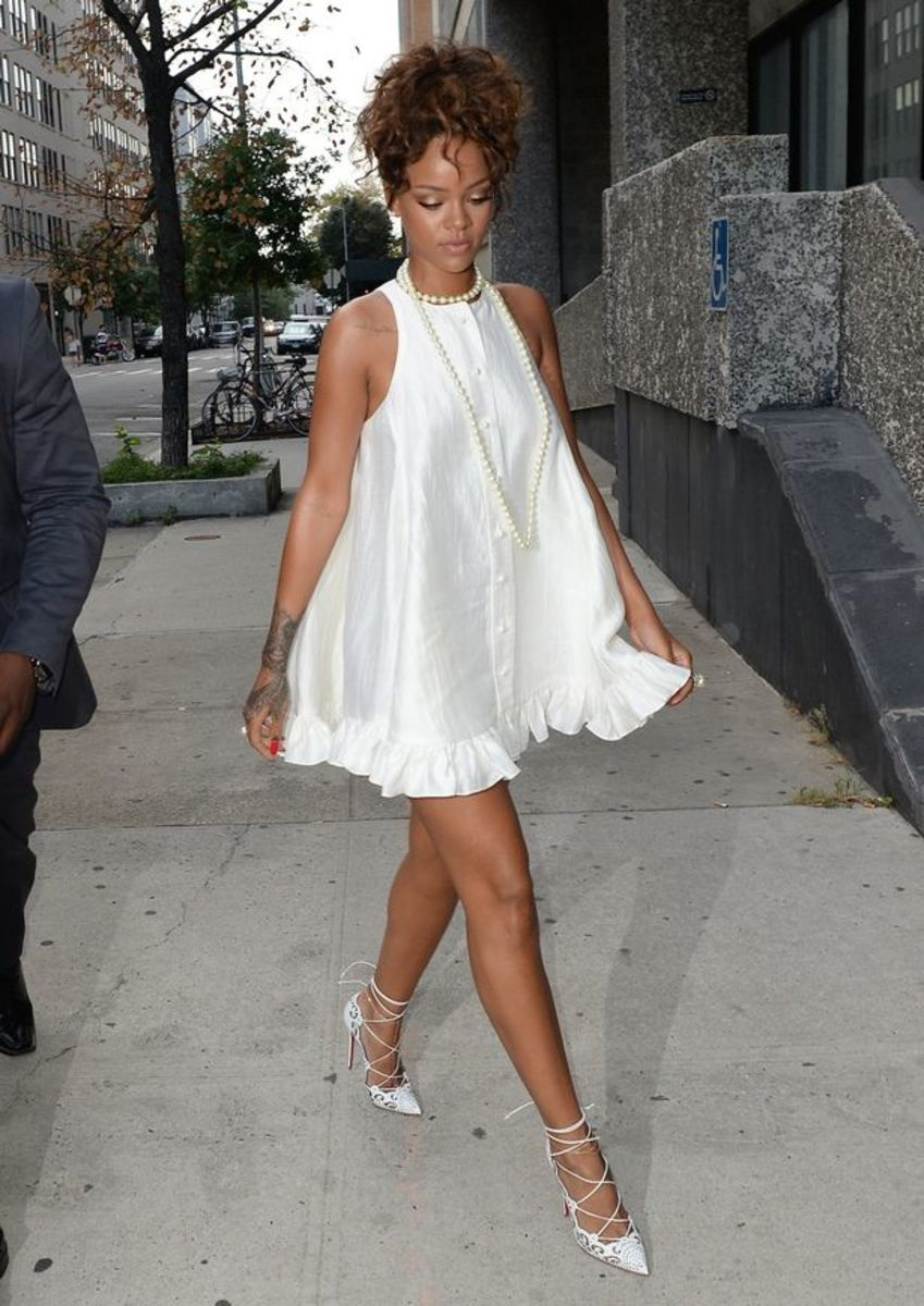 How To Wear White Baby Doll Dress
