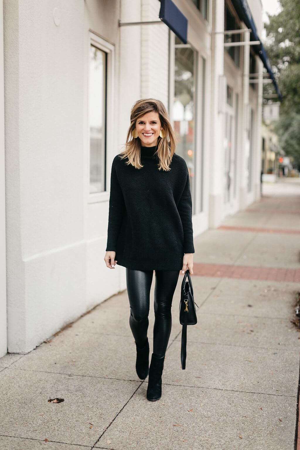 Leather Leggings Outfit Ideas