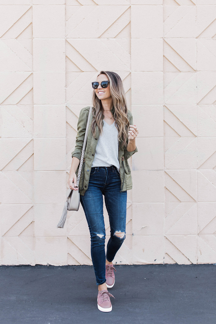 Olive Bomber Jacket Outfit Ideas