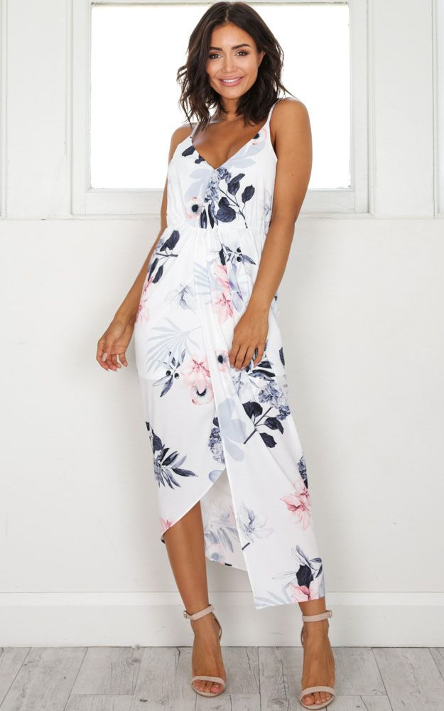 White Floral Dress Outfits
